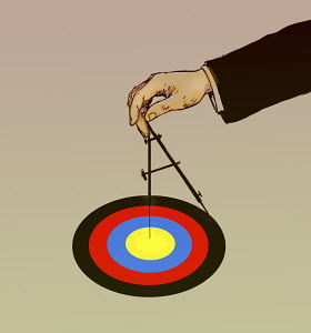 Hand drawing target with compass