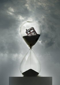 House running out of hourglass
