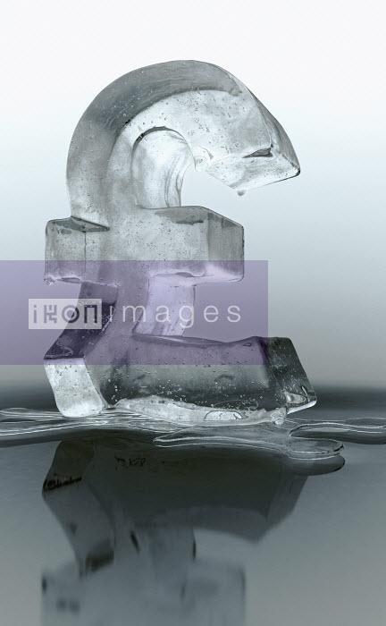 Melting frozen British pound sign - Melting frozen British pound sign - Ian Cuming