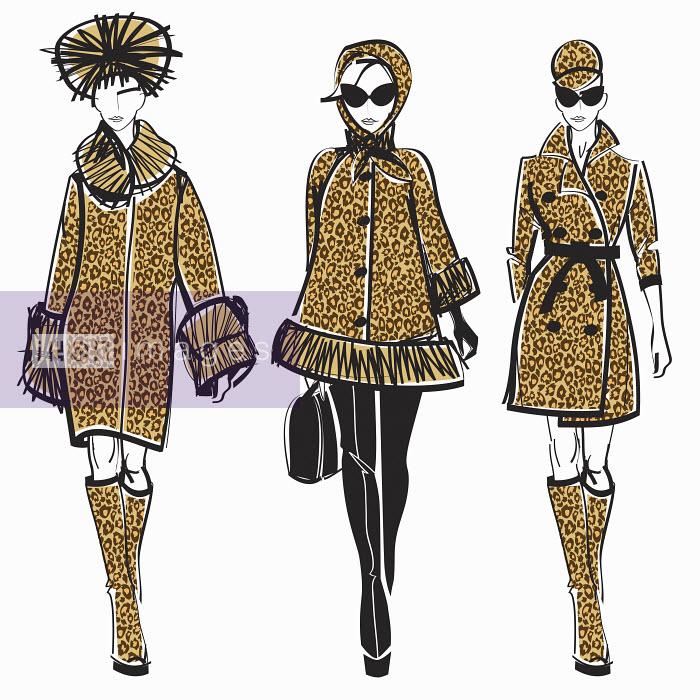 Three elegant fashion models side by side approaching camera wearing leopard print - Three elegant fashion models side by side approaching camera wearing leopard print - Yordanka Poleganova