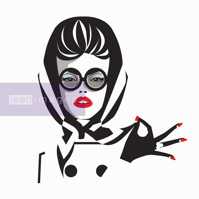 Glamorous woman wearing sunglasses and headscarf - Glamorous woman wearing sunglasses and headscarf - Yordanka Poleganova