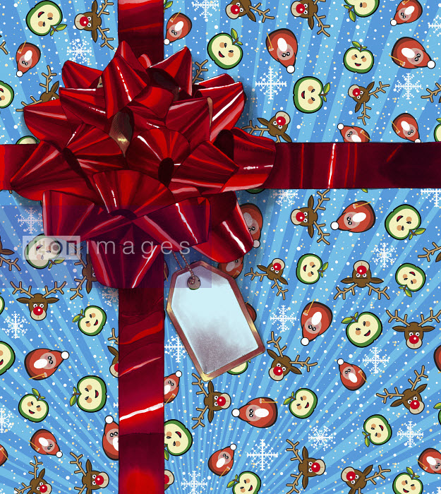 Christmas gift wrapped with ribbon and large red bow - Christmas gift wrapped with ribbon and large red bow - Mart Klein
