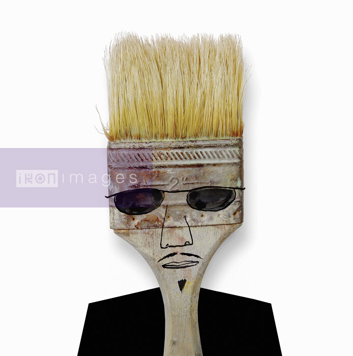 Face of a man wearing sunglasses on paintbrush - Face of a man wearing sunglasses on paintbrush - Roger Chouinard