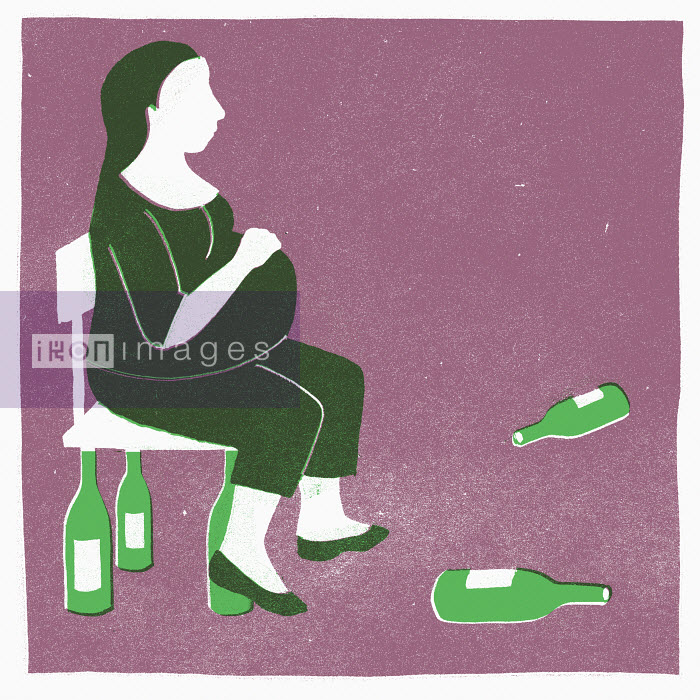 Pregnant woman surrounded by wine bottles - Pregnant woman surrounded by wine bottles - Sophie Casson