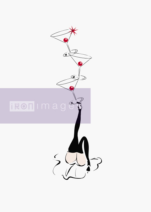 Sexy woman balancing cocktail glasses on foot - Sexy woman balancing cocktail glasses on foot - Conny Jude