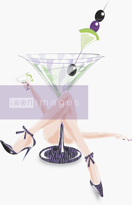 Sexy woman laying underneath large cocktail glass - Sexy woman laying underneath large cocktail glass - Conny Jude
