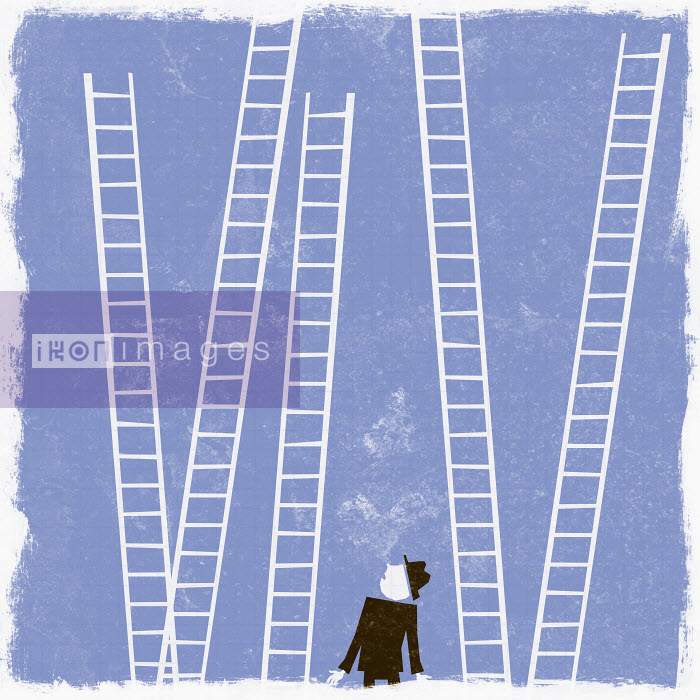 Businessman looking up at ladders - Businessman looking up at ladders - Ben Sanders