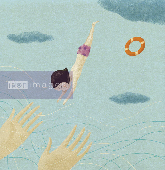 Mother's hands waiting to catch small daughter diving - Tommaso D'Incalci