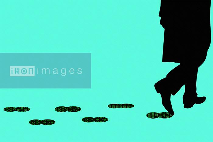 Man leaving data footprint - Benjamin Harte