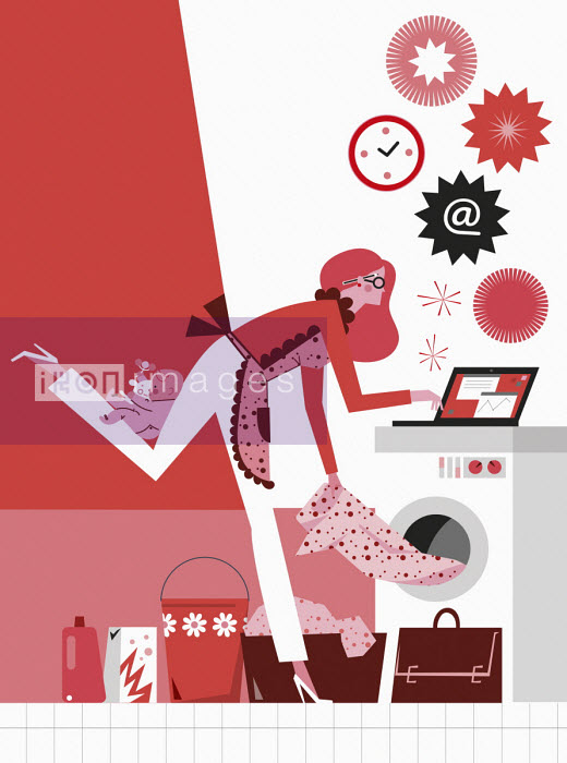 Busy working mother multitasking - Verónica Grech